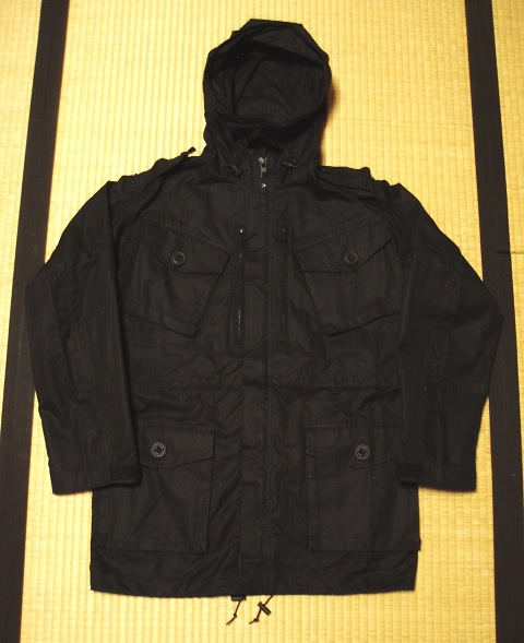 Jacket_black_field_1
